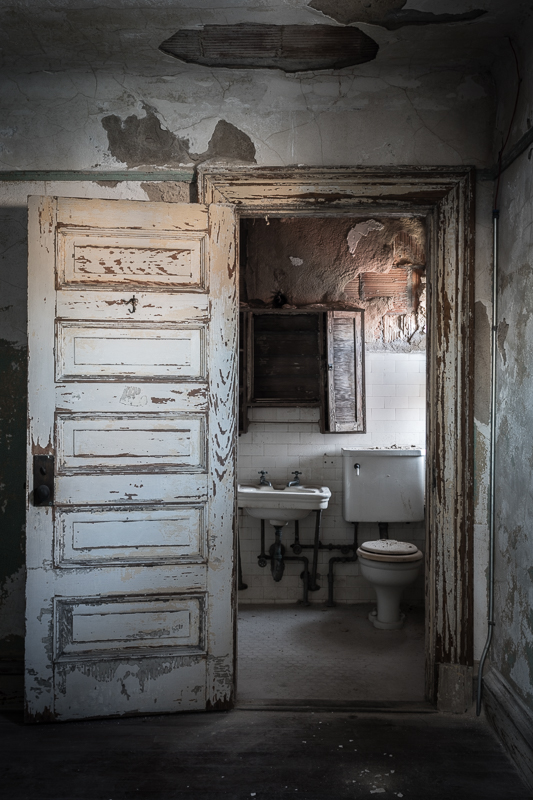 Ellis Island staff bathroom in decay