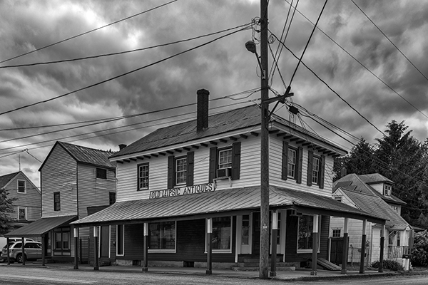 Old Leipsic Antiques in Smyrna DE in Black and White